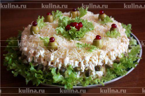 Украсить салат с кальмарами