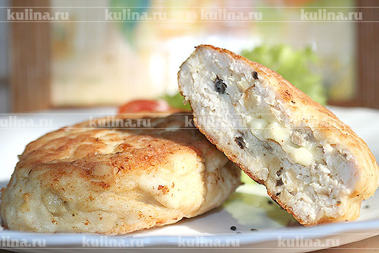 Рецепт куриных котлет с шампиньонами и сыром