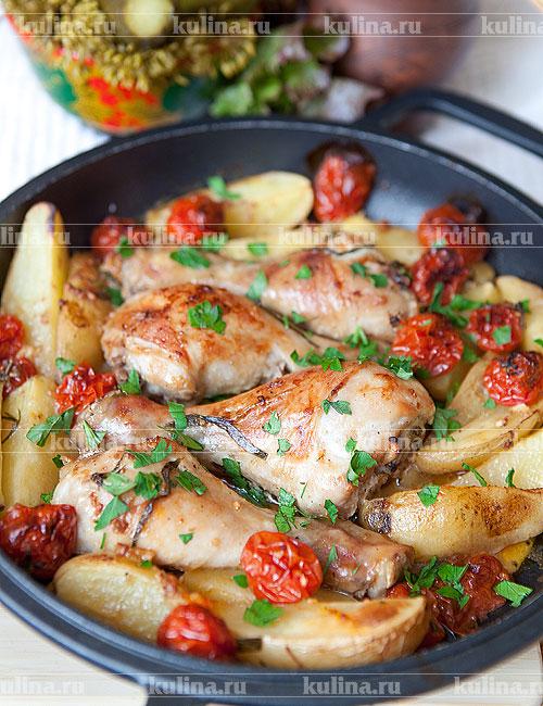 Картошка запеченная в духовке с куриными ножками