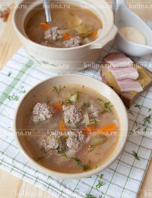 суп с перловкой на курином бульоне с солеными огурцами
