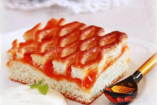 Пирог с персиковым вареньем