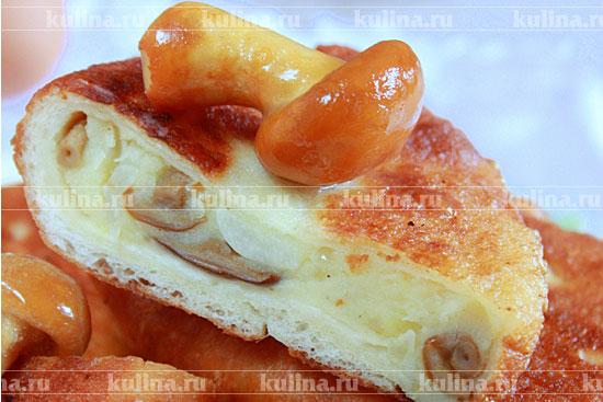 Салат с грибами жареными и солеными огурцами рецепт