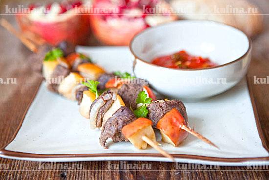 Блюда украшенные листьями салата