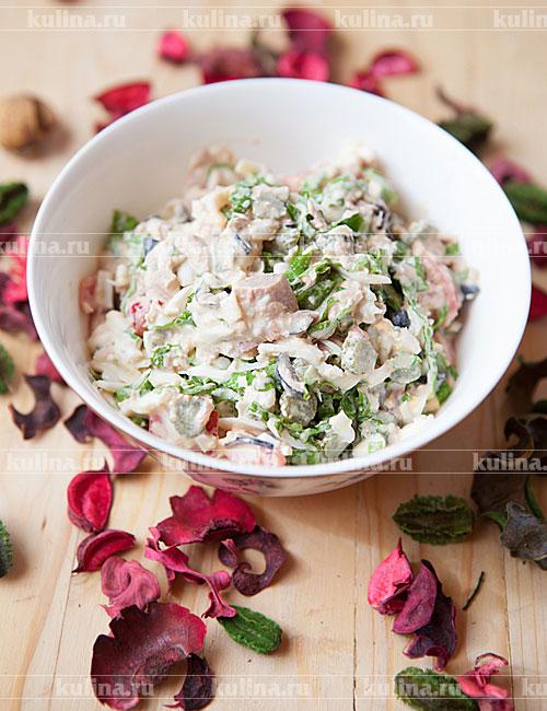 салат с салатом и тунцом консервированным рецепт
