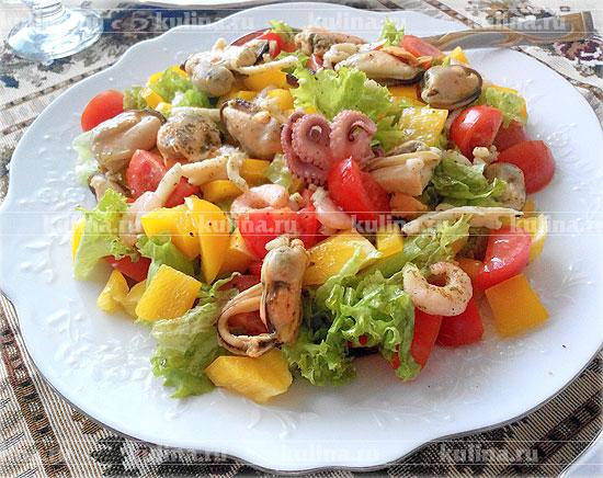 рецепт приготовления салата из морского коктейля