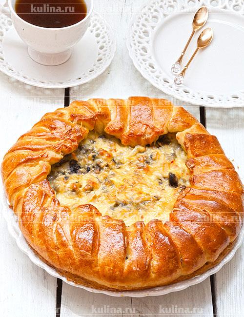 Пирог дрожжевой с грибами