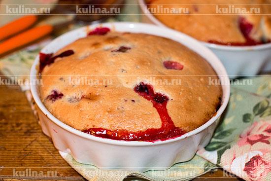 Шарлотка в мультиварке с ягодами рецепт с фото