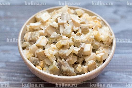 Салат из баклажанов с яйцами