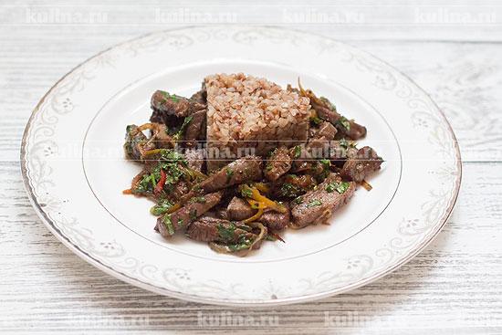 говядина жареная на сковороде с луком рецепт
