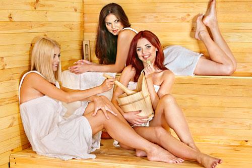 Снимают русских мамочек в сауне