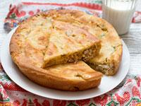 Пирог с тунцом и луком