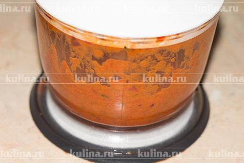 Взбить соус в блендере в однородную массу.