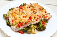 Готовые овощи выложить на блюдо, поверх положить куски мяса и подать к столу. Приятного аппетита!