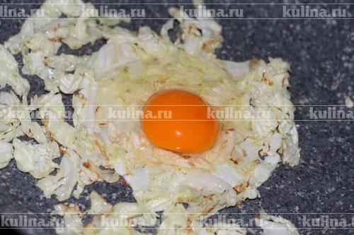 блины фаршированные капустой и яйцом
