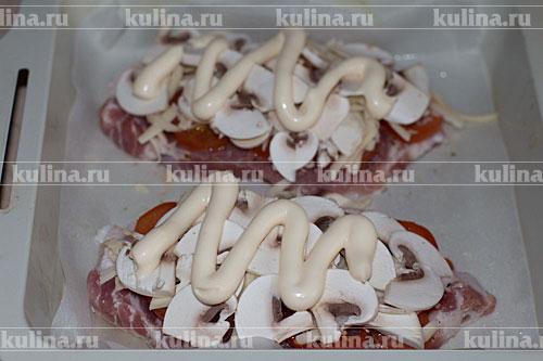 мясо с ананасами и помидорами и сыром в духовке рецепт с фото