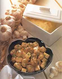 Грибы с тофу в чесночном масле