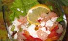 Салат-коктейль с креветками и овощами.  Салат с тунцом и майонезом...