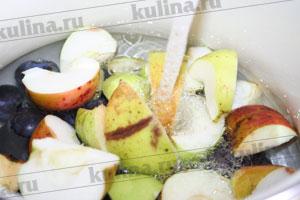 Яблочно сливовый компот